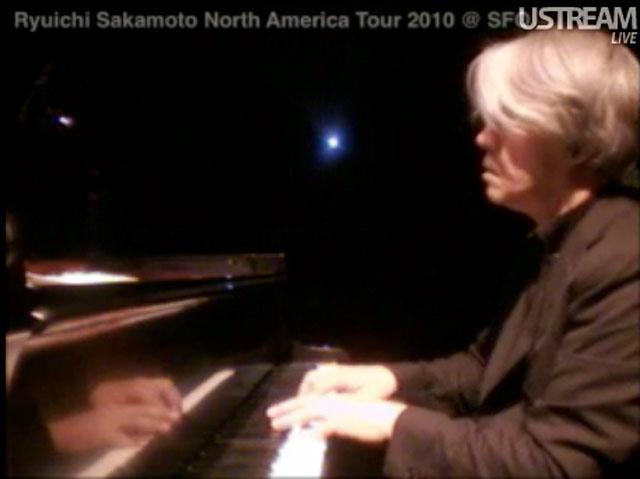 20101115.01.RyuichiSakamoto.jpg